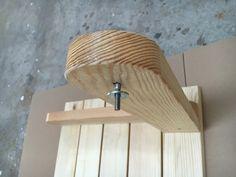 BATIKO ist die Gartentisch-Gartenbank-Kombination aus Naturholz geölt - Gartenmöbel mit Pfiff Folding Picnic Table Bench, Diy Picnic Table, Picnic Table Plans, Wooden Bench Plans, Woodworking Projects Diy, Lanterns, Projects To Try, Design, Home Decor