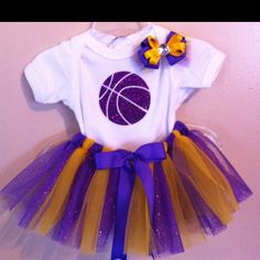 Lakers tutu outfit for baby... Omg. If I have a girl with Tim, this will undoubtedly in her wardrobe.. **sigh**