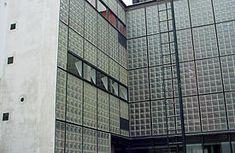 Pierre Chareau - Wikipedia