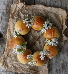 ... about cakes on Pinterest   Wedding cakes, Mini Cakes and Macaron Cake