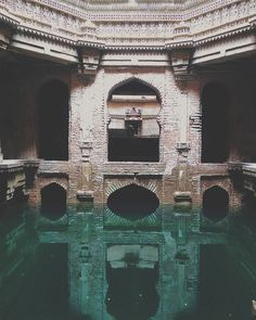 The 5 storeys deep Adalaj stepwell or Vav is an intricately carved ornate water . Wonderful Places, Beautiful Places, Abandoned Places, Egypt, Scenery, Around The Worlds, Exterior, Landscape, Building
