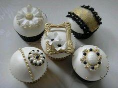 wit, goud, zwart