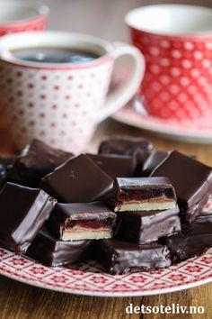 Troikakonfekt   Det søte liv Slik, Food And Drink, Lemon, Sweets, Snacks, Baking, Cake, Tableware, Desserts
