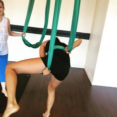 Pin for Later: Celebs Have Already Been Busy Getting Healthy in 2016  Jamie Chung got all tied up and twisted in aerial yoga.