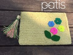 ☀🌈 Bugünün rengi #sarı olsun 💛💛💛 • ☀️27x19cm ölçülerinde Clutch Çantamız #hementeslim dir. Bilgi ve sipariş için instagram sayfamızı ziyaret edebilirsiniz 😉 • ☀️Her renk ve boyut sipariş alınır.  • #patistasarim #orgu #knitting #yarn #elyapimi #elemegi #handmade #orgusepet #knittedbasket #crochet #crocheting #crochetbasket #crochetbag #knittedbag #orgucanta #canta #bag #design #homedesign #decotarion #decorating #dekorasyon #homedecoration #evdekorasyonu #wicker #hasir #wickerbag…