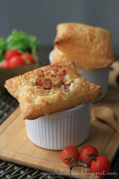 Eat your heart out: Recipe: Chicken, mushroom and bacon pie (Nigella Lawson) @Baby Sumo