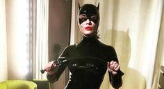 Da cantante di successo a sexy Catwoman:  ecco che fine ha fatto una nota popstar Sui social è apparsa come una sexy Catwoman, la foto è diventata virale e in molti si sono chiesti chi fosse. Il mistero è stato svelato: la 'gattina' dei Comics è...