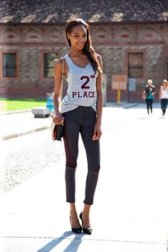 Model Style At Milan Fashion Week. Jourdan Dunn in a top by Ashish for Topshop (I know because I have one! Urban Chic, Stilettos, Fashion News, Fashion Models, Milan Fashion, Street Fashion, Street Chic, Street Style, Jourdan Dunn