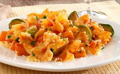 Barilla PLUS Farfalle with Barilla Tuscan Herb Sauce, Brussel Sprouts, Butternut Squash & Romano Cheese Barilla Recipes, Pasta Recipes, Dinner Recipes, Cooking Recipes, Dinner Ideas, Pasta Side Dishes, Pasta Sides, Tuscan Recipes, Italian Recipes