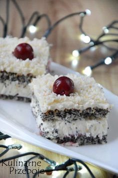 New Easy Cake : Poppy Lady - Culinary Palloys, Pistachio Torte Recipe, Strawberry Torte Recipe, Apple Recipes, Sweet Recipes, Cake Recipes, Dessert Recipes, German Torte Recipe, Chocolate Torte, Biscuits