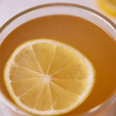 Detox Lemonade Videos Feeling bloated or just blah? This detox drink will help cure you. Healthy Detox, Healthy Drinks, Healthy Snacks, Healthy Recipes, Water Recipes, Detox Recipes, Smoothie Recipes, Shot Recipes, Nutrition Holistique