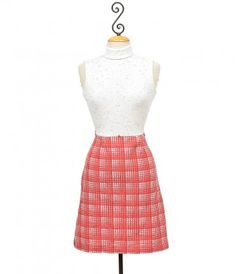 It's an easy A, darling. A cheekily checked authentic vintage red plaid and white color blocked dress in stunning condit...Price - $48.00-38TKfsEH