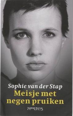 Sophie van der Stap - Meisje met negen pruiken