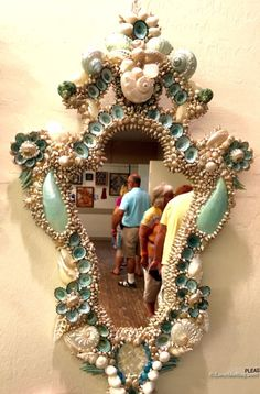 Jax And Brittany Apartment Decor 2016 Sanibel Shell Festival Artistic Seashell Crafts Seashell Art, Seashell Crafts, Beach Crafts, Seashell Bathroom, Coastal Mirrors, Shell Mirrors, Coastal Decor, Coquille St Jacques, Shell Ornaments