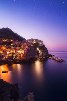 Manarola, Cinque Terre, Italy, province of La Spezia , Liguria Beautiful World, Beautiful Places, Beautiful Pictures, The Places Youll Go, Places To Visit, Places To Travel, Travel Destinations, Cinque Terre Italy, Life Is A Journey