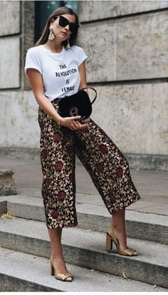 Fall Street Style Outfits to Inspire - Fall street style / Fashion Week street style Source by fromluxewithlove. Street Style Outfits, Looks Street Style, Mode Outfits, Casual Outfits, Fashion Outfits, Womens Fashion, Fashion Trends, Culottes Street Style, Wide Leg Pants Street Style