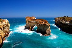 Island Arch, Port Campbell National Park, Victoria, Australia