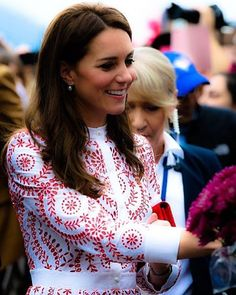 Her Royal Highness, The Duchess of Cambridge greets well wishers as she arrives in Vancouver, British Colombia, Canada, on day two of her seven day tour of Canada on behalf of Her Majesties Government.    25th September 2016 ------------------------------------------------ #KateMiddleton #CatherineMiddleton #HRHTheDuchessOfCambridge #DuchessOfCambridge #DuchessKate #DuchessCatherine #PrincessKate #PrincessCatherine #WilliamAndKate #DukeAndDuchessOfCambridge #PrinceWilliam…