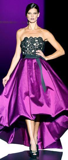 Purple runway stunner // #Pantone #AfricanViolet