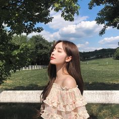 Image may contain one or more people people standing tree grass outdoor and nature Korean Beauty Girls, Pretty Korean Girls, Cute Korean Girl, Cute Asian Girls, Asian Beauty, Korean Aesthetic, Aesthetic Photo, Aesthetic Girl, Aesthetic Black