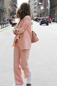 Pinterest : 25 façons de porter le rose sans ressembler à une Barbie