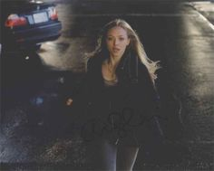 Amanda Seyfried 'Gone' Excellent Signed 8x10 Photo Authentic