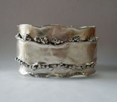 Bracelet |  Christine Peters Hamilton >>this makes me miss the studio