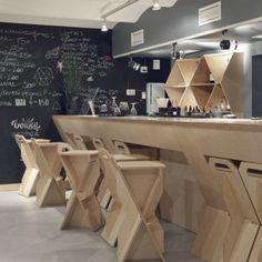 Een bar van multiplex | roomed.nl