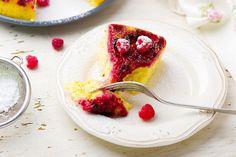Перевернутый пирог с малиной