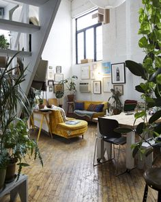 6 Creative and Modern Tips Can Change Your Life: Fall Home Decor Target home decor palets family rooms.Gothic Home Decor Interior Design home decor living room minimalist.Home Decor Living Room Ideas. Interior Design Minimalist, Home Interior Design, Interior Architecture, Cosy Interior, Yellow Interior, Interior Garden, Interior Plants, Modern Interior, Deco Design