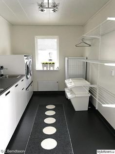 Stunning and also practical small utility room concepts - It's all too easy for . Stunning and also practical small utility room concepts - It's all too easy for . Interior Design Living Room, Home, Renovations, Laundry Room Design, House Design, Room Layout, House Interior, Utility Rooms, Room Design