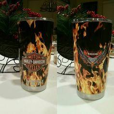 Love this Harley Logo in Flames! Diy Tumblers, Custom Tumblers, Glitter Tumblers, Tumbler Cups, Tumbler Stuff, Yeti Cup, Cute Cups, Glitter Cups, Tumbler Designs