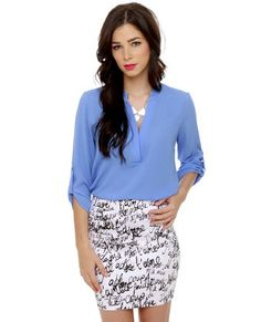 V-sionary Periwinkle Blue Top ~ The one color that is good for all season! Looks good on everyone.
