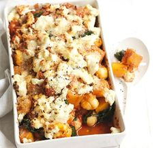 This low-fat baked gnocchi with squash and spinach recipe is perfect if you& craving Italian. Baked Gnocchi, Gnocchi Recipes, Spinach Recipes, Healthy Recipes, Savoury Recipes, Healthy Foods, Vegetarian Recipes, How To Cook Gnocchi, Veggie Delight