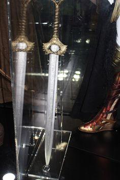 Wonder Woman Movie, Wonder Woman Cosplay, Medieval Fantasy, Medieval Swords, Patterned Tights, San Diego Comic Con, Fantasy Weapons, Dc Universe, Movie Tv