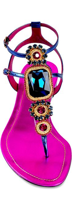 Hot pink sandals by Ren Caovilla beach sandal with a bit of glam. http://www.missKrizia.com