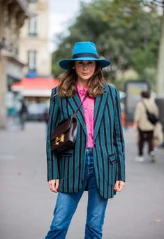 Best Street Style at Paris Fashion Week Spring 2021 | POPSUGAR Fashion New Street Style, Spring Street Style, Street Style Looks, Denim Fashion, Paris Fashion, Spring Fashion, Quilted Jacket, Fashion Beauty, Personal Style