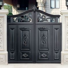 simple design black villa outside gate, flowers carving security aluminum door. Home Gate Design, House Main Gates Design, Steel Gate Design, Front Gate Design, Main Door Design, House Front Design, Gate Designs Modern, Simple Gate Designs, Modern Gates