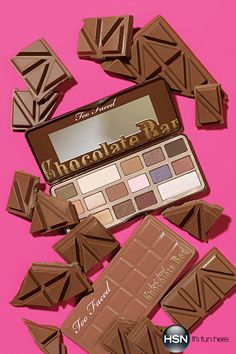 Gorgeous eye shadows with a heavenly chocolate aroma from Too Faced? Yes Please! We love this adorable palette with 6 shimmer and matte shades.