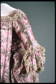Robe a la francaise ca. 1760-70   From the Canadian Museum of Civilization