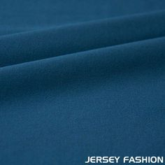 petrol crêpe stof: Lichte, gaasachtige zijden stof, die oneffen en korrelig aanvoelt.