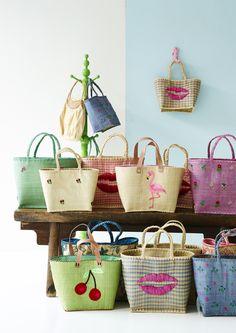 Beautiful Handmade Raffia Bags - HS16