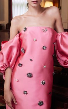 Get inspired and discover Lela Rose trunkshow! Shop the latest Lela Rose collection at Moda Operandi. Satin Mini Dress, Satin Gown, Pink Mini Dresses, Satin Skirt, Satin Dresses, Short Dresses, Lela Rose, Christian Lacroix, Clone Wars
