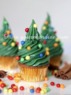41 Super Ideas For Holiday Party Desserts Christmas Xmas Christmas Tree Cupcakes, Holiday Cupcakes, Holiday Treats, Christmas Treats, Holiday Parties, Holiday Fun, Christmas Time, Xmas Party, Xmas Tree
