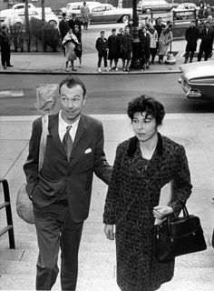 Mr. Pete Seeger and his wife, Toshi, arrived at a federal court in New York in 1961. He was given a year for contempt of Congress.