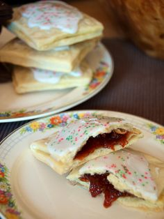Poptarts are one of the best breakfast inventions ever, but these homemade poptarts, (which I'll call tangyjumps so that I'm not doing anything illegal ^.^) look even better then the originals!
