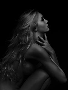 Low light - Jackie Goetterup