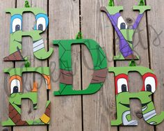 Custom Ninja Turtle Letters por AlderCrafts en Etsy Turtle Birthday Parties, Ninja Turtle Birthday, Turtle Party, Ninja Turtle Room Decor, Ninja Turtles Art, Crafts For Boys, Diy Crafts For Gifts, Painted Letters, Wood Letters
