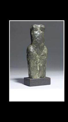 "William Turnbull - "" Small female figure "", 1979 - Bronze with dark green patina - Height : 19 cm"