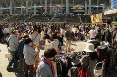 Thrift Trumps Abenomics as Japan Shoppers Stick to Bargains -